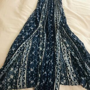 Dresses - Beautiful maxi dress